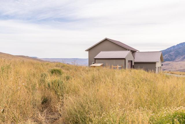 552 Bill Shaw Rd, Pateros, WA 98846 (MLS #717259) :: Nick McLean Real Estate Group
