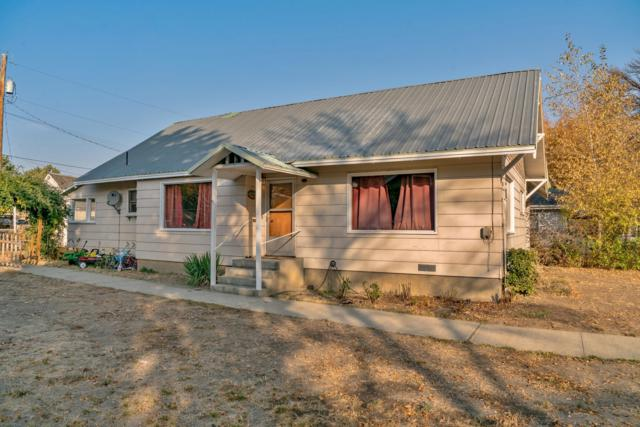 320 S Division St, Cashmere, WA 98815 (MLS #717382) :: Nick McLean Real Estate Group