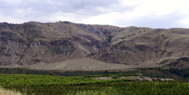 NNA Columbia River, Orondo, WA 98843 (MLS #717393) :: Nick McLean Real Estate Group