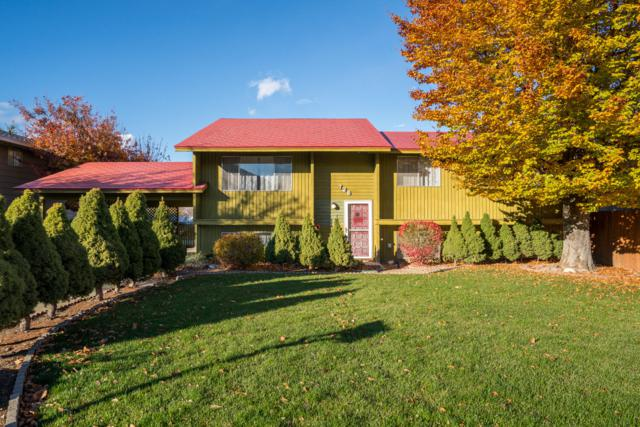 726 Lynn St, Wenatchee, WA 98801 (MLS #717494) :: Nick McLean Real Estate Group