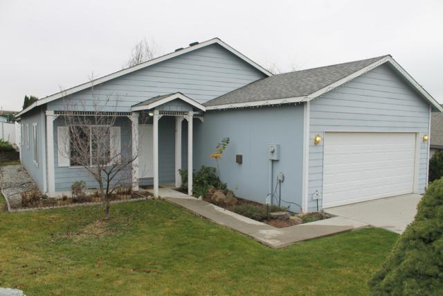 615 S Lawler Ave, East Wenatchee, WA 98802 (MLS #717513) :: Nick McLean Real Estate Group