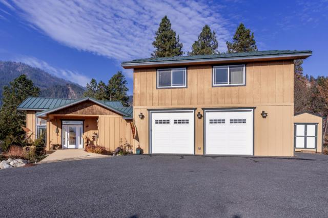 10605 Titus Rd, Leavenworth, WA 98826 (MLS #717527) :: Nick McLean Real Estate Group