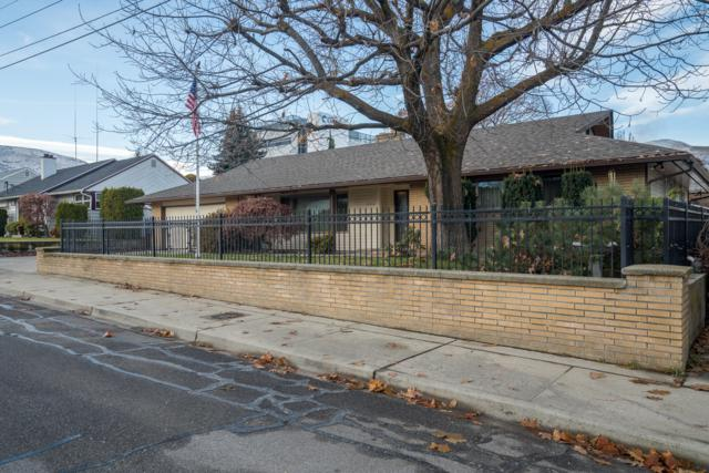 1206 Ormiston St, Wenatchee, WA 98801 (MLS #717657) :: Nick McLean Real Estate Group