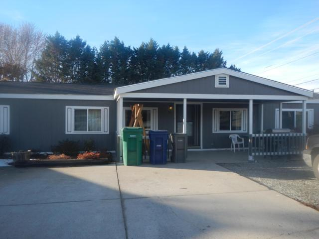 10 S Iowa Ave, East Wenatchee, WA 98802 (MLS #717679) :: Nick McLean Real Estate Group