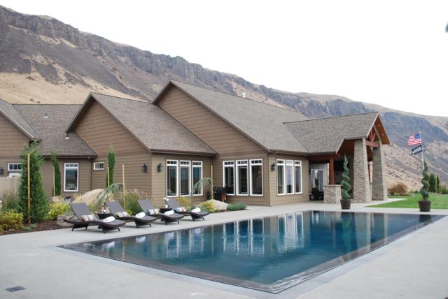 49 Sageland, East Wenatchee, WA 98802 (MLS #717788) :: Nick McLean Real Estate Group