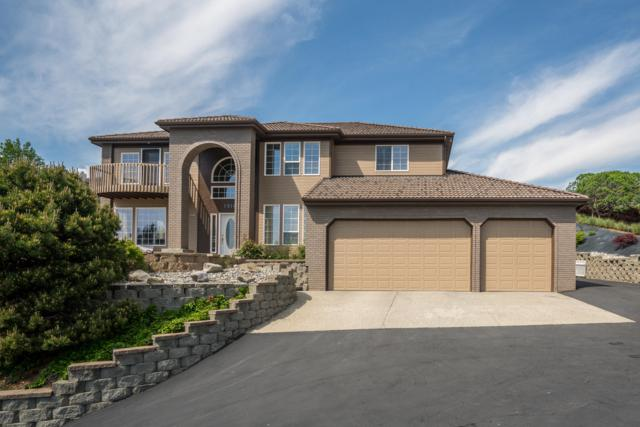 1916 Broadway Pl, Wenatchee, WA 98801 (MLS #718081) :: Nick McLean Real Estate Group