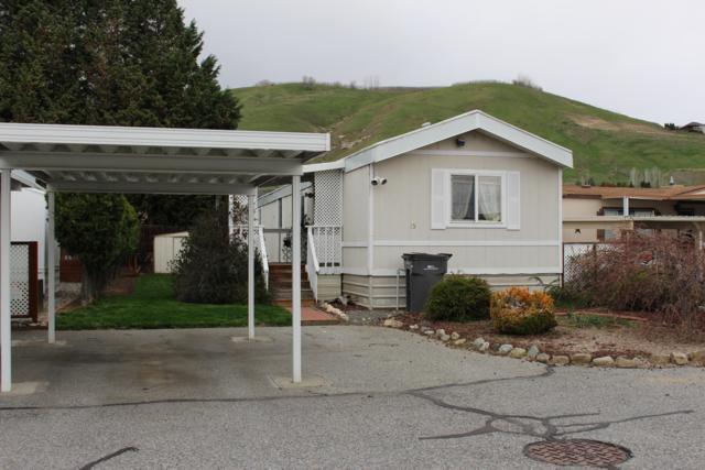 1608 N Western Ave #15, Wenatchee, WA 98801 (MLS #718324) :: Nick McLean Real Estate Group
