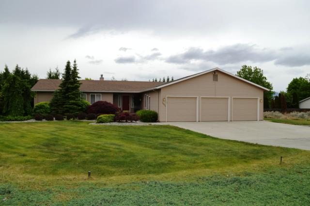 2401 Plateau Dr, East Wenatchee, WA 98802 (MLS #718583) :: Nick McLean Real Estate Group