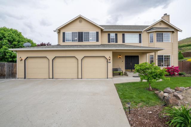1911 Pensione Pl, Wenatchee, WA 98801 (MLS #718592) :: Nick McLean Real Estate Group