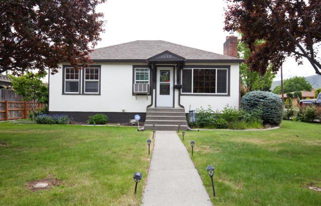 1137 9th St, Wenatchee, WA 98801 (MLS #718641) :: Nick McLean Real Estate Group