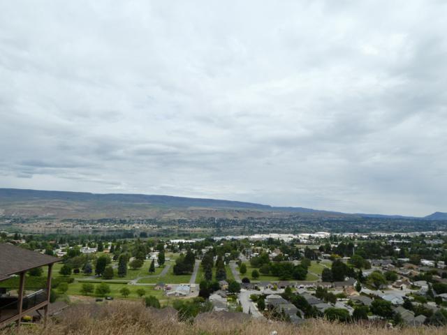 1881 Broadview, Wenatchee, WA 98801 (MLS #718657) :: Nick McLean Real Estate Group