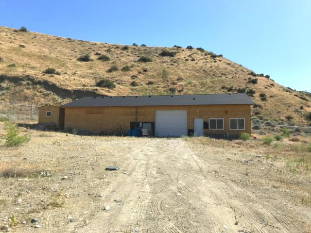 892 Lower Sunnyslope Rd, Wenatchee, WA 98801 (MLS #718929) :: Nick McLean Real Estate Group