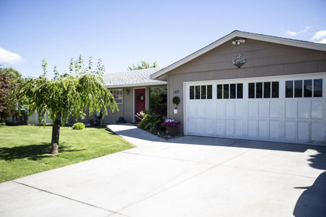 1417 Springwater Ave, Wenatchee, WA 98801 (MLS #718970) :: Nick McLean Real Estate Group
