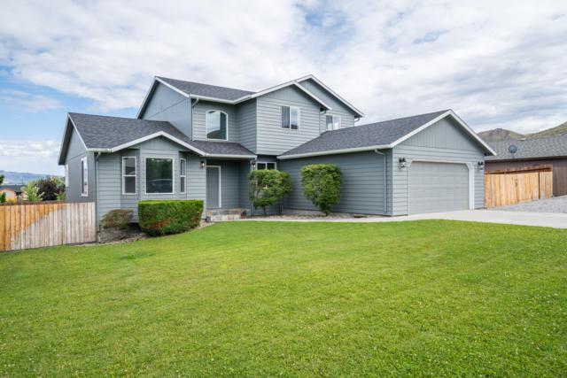 1631 Fuller St, Wenatchee, WA 98801 (MLS #719278) :: Nick McLean Real Estate Group
