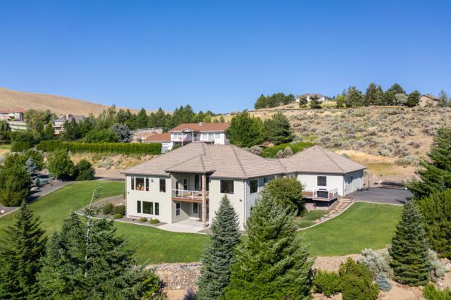 4225 W Eaglerock Dr, Wenatchee, WA 98801 (MLS #719327) :: Nick McLean Real Estate Group