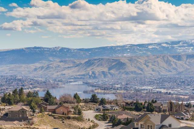 199 Burch Hollow Ln, Wenatchee, WA 98801 (MLS #720202) :: Nick McLean Real Estate Group