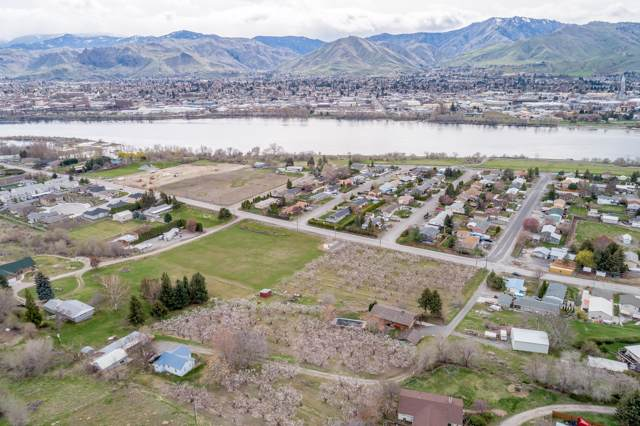 2211 NW Cascade Ave, East Wenatchee, WA 98802 (MLS #720230) :: Nick McLean Real Estate Group