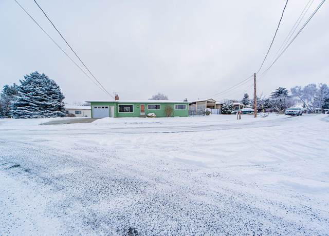 1804 Glen St, East Wenatchee, WA 98802 (MLS #720511) :: Nick McLean Real Estate Group