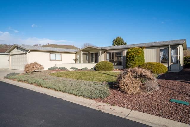 1710 Clark Dr, Wenatchee, WA 98801 (MLS #720911) :: Nick McLean Real Estate Group