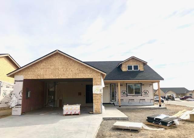 2224 S Mystical Loop, East Wenatchee, WA 98802 (MLS #720924) :: Nick McLean Real Estate Group