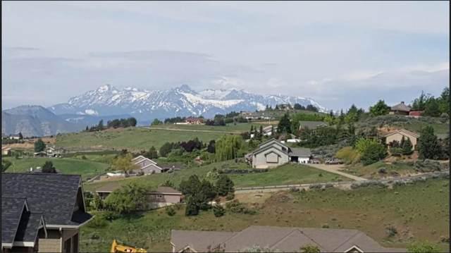 125 W Mountain Brook Ln, Wenatchee, WA 98801 (MLS #721194) :: Nick McLean Real Estate Group