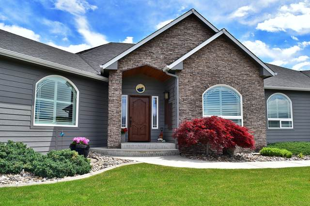 947 Briarwood Dr, East Wenatchee, WA 98802 (MLS #721216) :: Nick McLean Real Estate Group