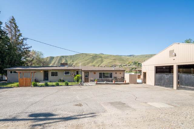1619 Lower Monitor Rd, Wenatchee, WA 98801 (MLS #721233) :: Nick McLean Real Estate Group