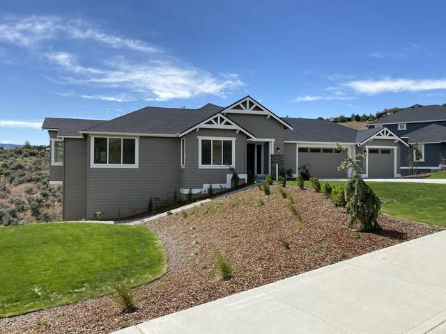 223 Burch Hollow Ln, Wenatchee, WA 98801 (MLS #721347) :: Nick McLean Real Estate Group