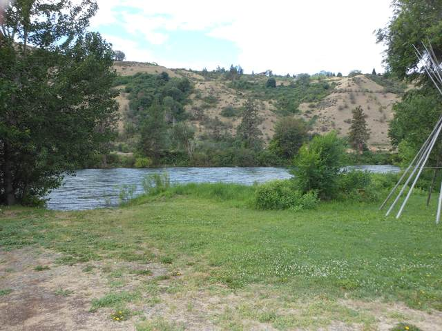 5304 Old Monitor Rd, Cashmere, WA 98815 (MLS #721673) :: Nick McLean Real Estate Group