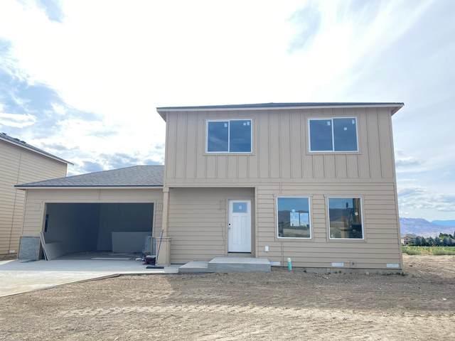 2247 S Mystical Loop, East Wenatchee, WA 98802 (MLS #721774) :: Nick McLean Real Estate Group