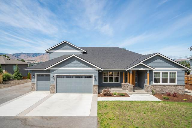 3142 NW Delcon Dr, East Wenatchee, WA 98802 (MLS #721802) :: Nick McLean Real Estate Group
