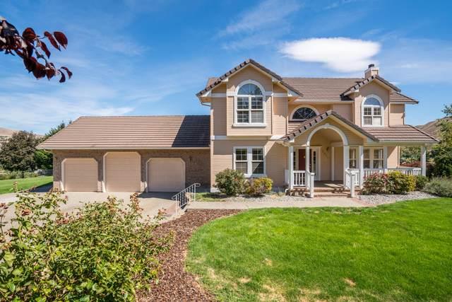 2025 Sleepy Hollow Hts, Wenatchee, WA 98801 (MLS #722098) :: Nick McLean Real Estate Group