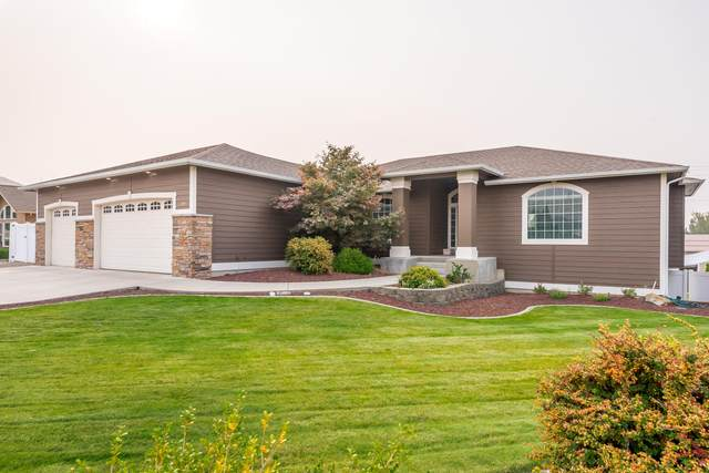 700 Clarissa Ln, East Wenatchee, WA 98802 (MLS #722367) :: Nick McLean Real Estate Group