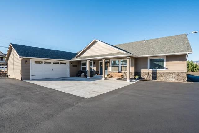 3086 Martin Pl, East Wenatchee, WA 98802 (MLS #723276) :: Nick McLean Real Estate Group