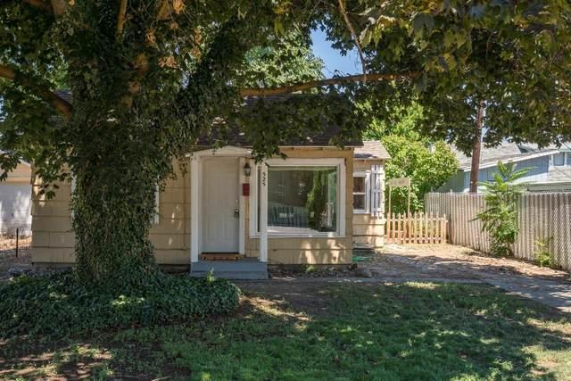 525 Ross Ave, Wenatchee, WA 98801 (MLS #723585) :: Nick McLean Real Estate Group