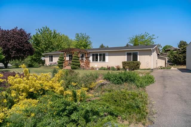 1865 8th St SE, East Wenatchee, WA 98802 (MLS #723803) :: Nick McLean Real Estate Group