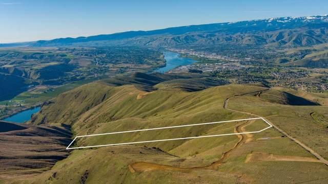 8888 Burch Mountain Rd, Wenatchee, WA 98801 (MLS #723811) :: Nick McLean Real Estate Group