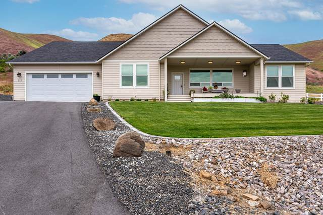 115 Diede Hills Ln, Wenatchee, WA 98801 (MLS #723813) :: Nick McLean Real Estate Group