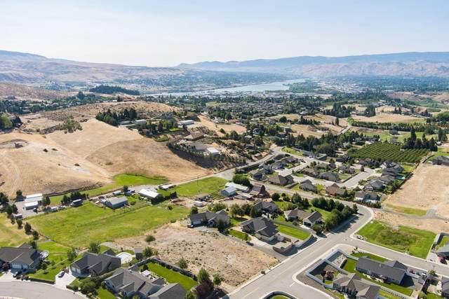 3992 Knowles Rd, Wenatchee, WA 98801 (MLS #723870) :: Nick McLean Real Estate Group