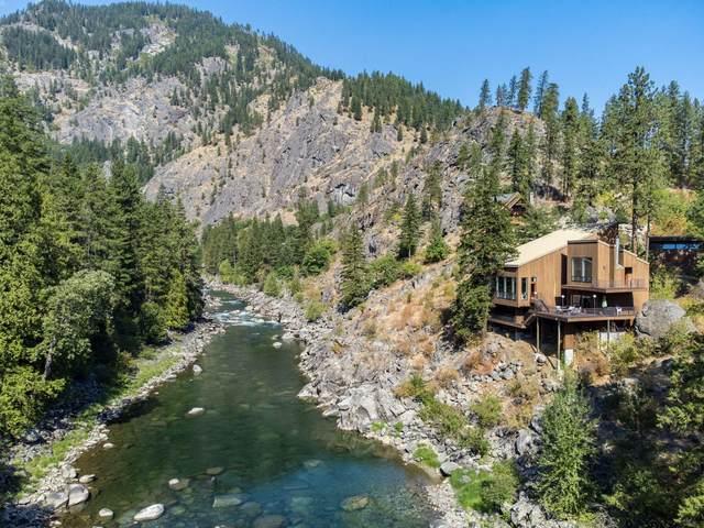 9284 Icicle Rd, Leavenworth, WA 98826 (MLS #724825) :: Nick McLean Real Estate Group