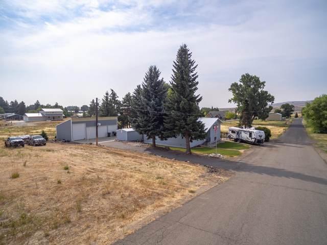 301 S Warren St, Waterville, WA 98858 (MLS #724918) :: Nick McLean Real Estate Group