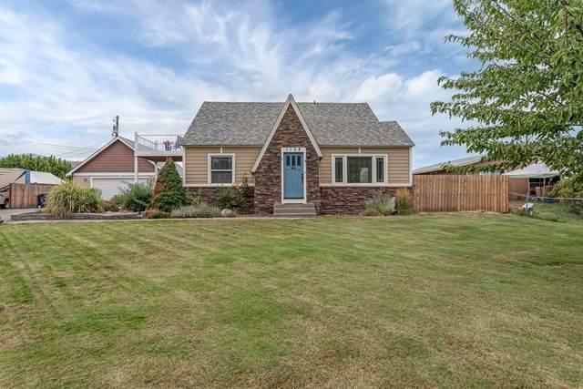 1108 N Baker Ave, East Wenatchee, WA 98802 (MLS #724942) :: Nick McLean Real Estate Group