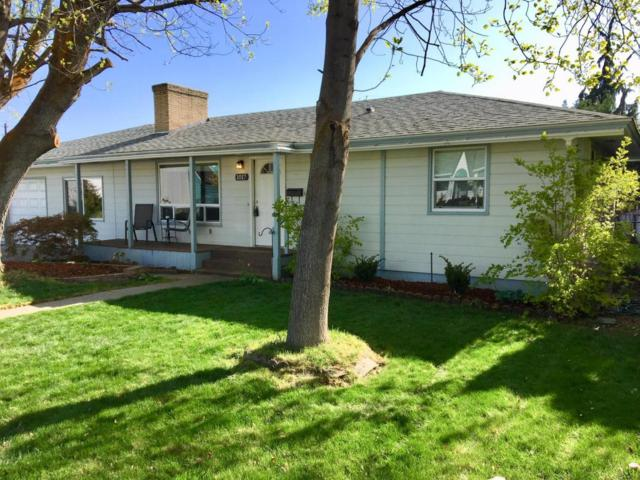 1017 Harvard, Wenatchee, WA 98801 (MLS #715594) :: Nick McLean Real Estate Group