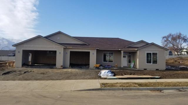 58 Starlight Ave, Wenatchee, WA 98801 (MLS #717841) :: Nick McLean Real Estate Group