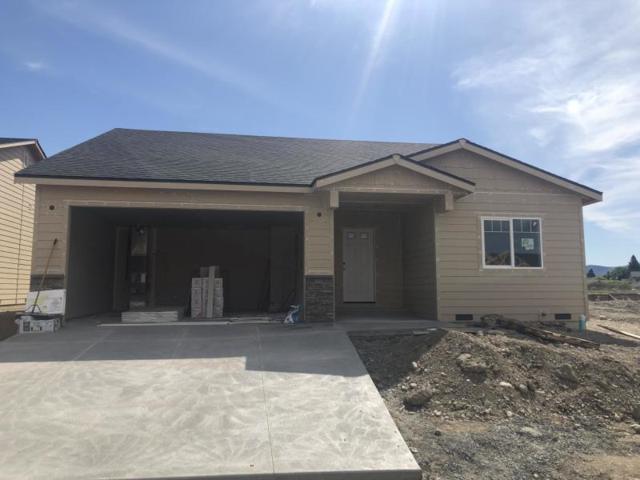 2255 S Melody Ln, East Wenatchee, WA 98802 (MLS #718651) :: Nick McLean Real Estate Group