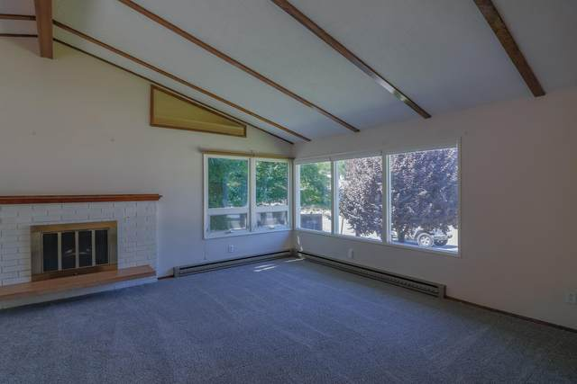 1104 2nd St SE, East Wenatchee, WA 98802 (MLS #722018) :: Nick McLean Real Estate Group