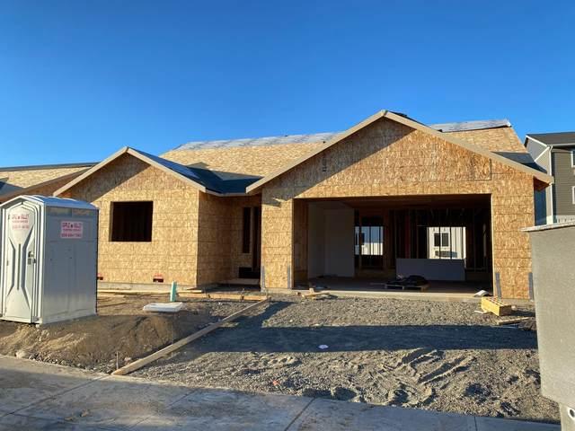2269 S Mystical Loop, East Wenatchee, WA 98802 (MLS #722442) :: Nick McLean Real Estate Group