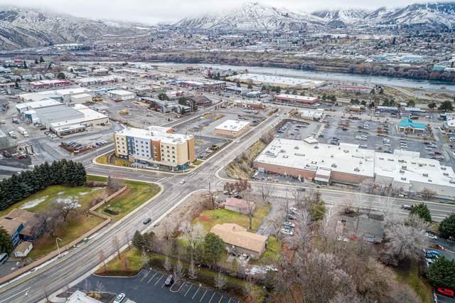 415 & 421 N Baker, East Wenatchee, WA 98802 (MLS #722959) :: Nick McLean Real Estate Group
