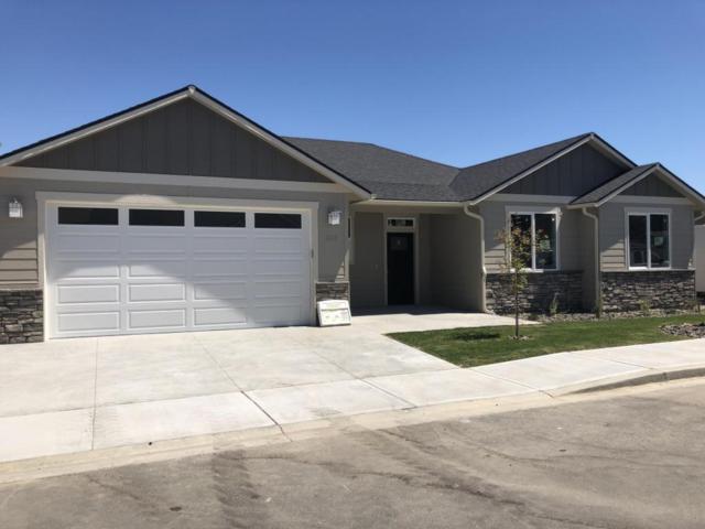 203 Pershing Circle, Wenatchee, WA 98801 (MLS #715516) :: Nick McLean Real Estate Group