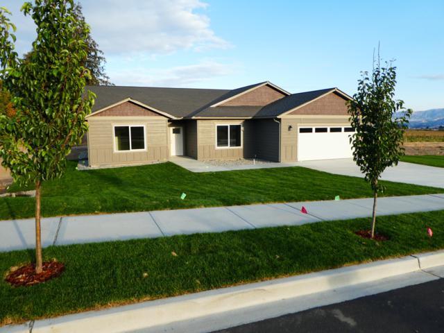 35 Starlight Ave, Wenatchee, WA 98801 (MLS #717235) :: Nick McLean Real Estate Group
